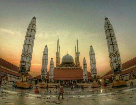 Senja di Masjid Agung Semarang