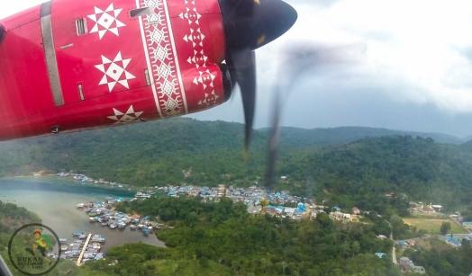 Pemandangan perkampungan di Matak dari pesawat